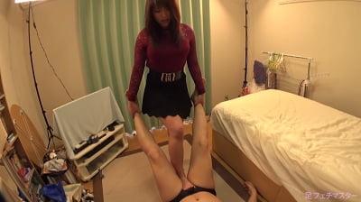 裸足で電気アンマ2