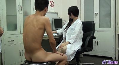 全裸で診察5