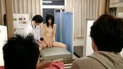 全裸で診察1