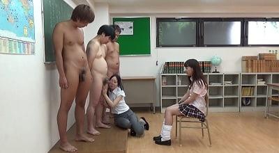 男子だけ全裸で性教育