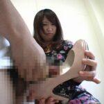 女性の靴・パンプスが好き!女の目の前でパンプスにセンズリ射精サンプル11