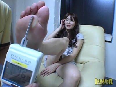 女性の靴・パンプスが好き!女の目の前でパンプスにセンズリ射精サンプル3