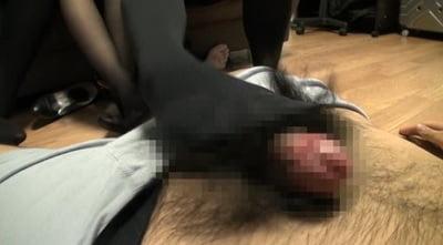 現役女子大生 授業後~黒タイツ&黒スト臭脚責めレポート!!サンプル10