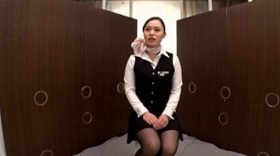 一般男女モニタリングAV しごいてしゃぶってヌキまくり!!大手航空会社勤務の憧れのキャビンアテンダントが無数に生えた壁ち○ぽの即ヌキに挑戦! 3サンプル20