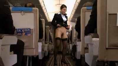 「制服・下着・全裸」でおもてなし またがりオマ○コ航空12 中出し便サンプル8