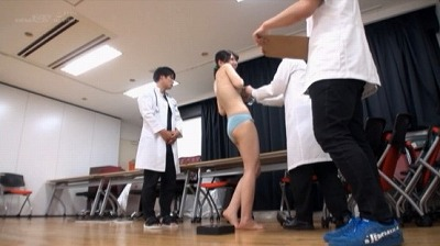 SOD女子社員8名が業務中に全裸健康診断 膣の奥までチ○ポでチェックするAV会社ならではの赤面羞恥検診 8名全員のSEXを収録した4時間スペシャル!サンプル4