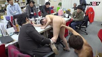 1週間全裸業務で羞恥心を克服!一回りも二回りも成長した吉岡明日海の公開羞恥SEXサンプル24