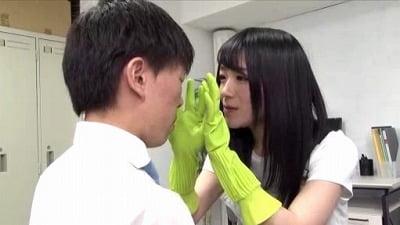 痴女清掃員のゴム手袋手コキマゾ射精WASH!3サンプル22