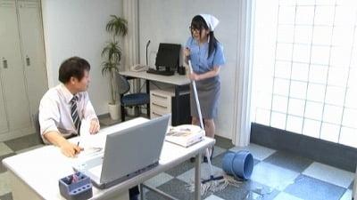 地味なオフィス清掃員はM男殺しなペニバン痴女様でした。南梨央奈サンプル1