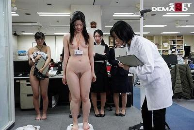 SOD女子社員 新入社員限定 ロリっ娘だらけの全裸で健康診断 未成熟な身体の10名を全裸にして真面目に検診しましたサンプル3
