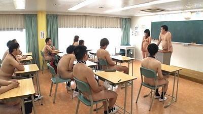 【全裸登校日】男も女も半裸・ボトムレス・裸エプロン・全裸露出サンプル24