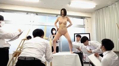 美術女教師が全裸ヌードデッサンモデル!男子校で裸体を晒す女性サンプル8