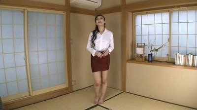 憧れの美人秘書が着衣からストリップ全裸に!女体をドアップ観察サンプル39