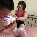 臭い足好き必見!女の洗う前の靴下・足のニオイを嗅ぎ舐めて射精サンプル5